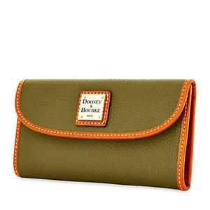 NWT Dooney & Bourke Olive Pebbled Leather Wallet